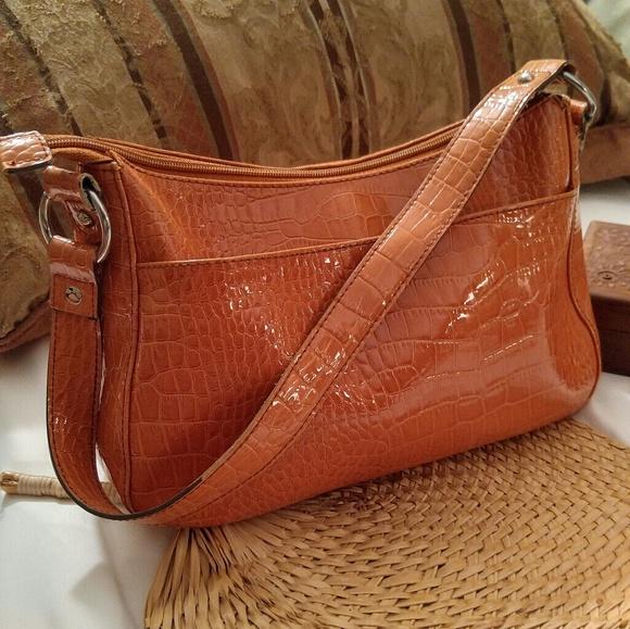 996cf0097011 Liz Claiborne Bags